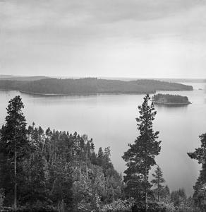 Figure 1: Into Konrad Inha, Lake Päijänne, Finland.